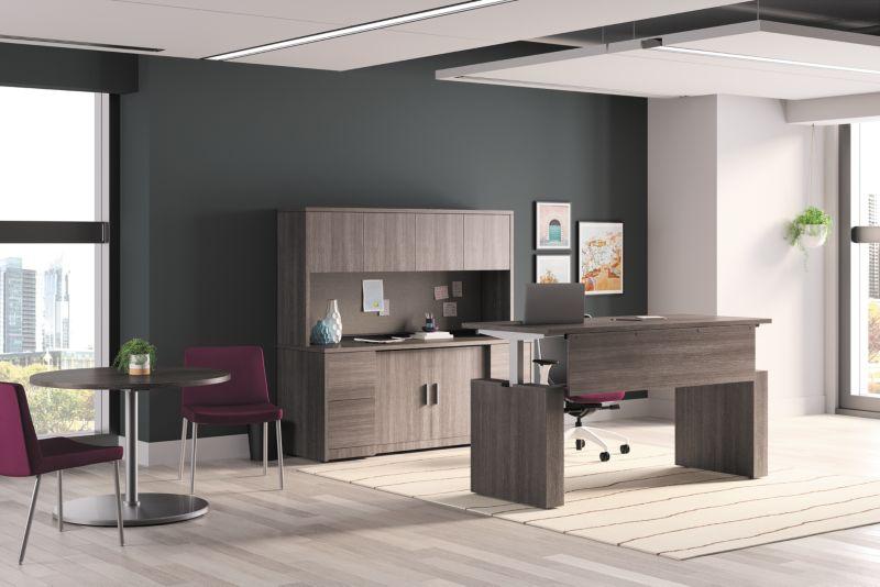 10500 Desk with adjustable base