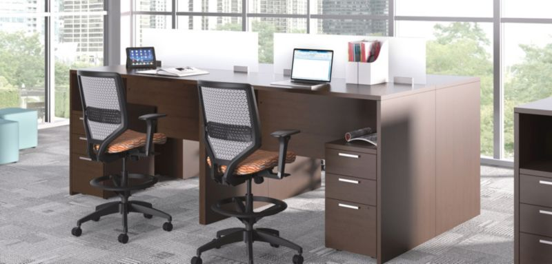 10500 Standing Desk Height Teaming Stations