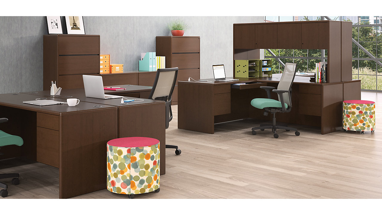 10700 Series Office and L Shaped Configuration in Mahogany