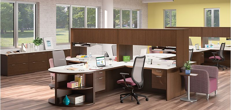 Valido Desks in a Collaborative Office Space