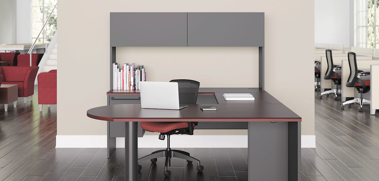 38000 Series U Shaped Desk With Ient Chair