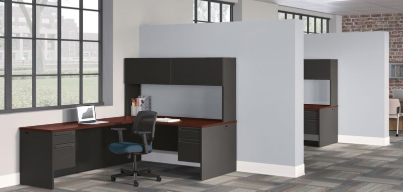 38000 Series Desk with Volt Chairs