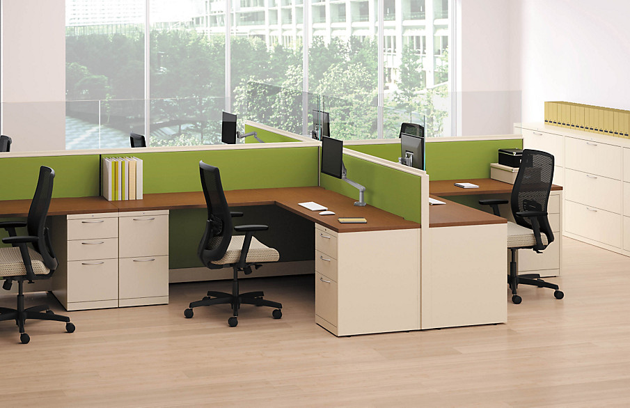 Accelerate Panels with Endorse Chairs and Flagship Storage