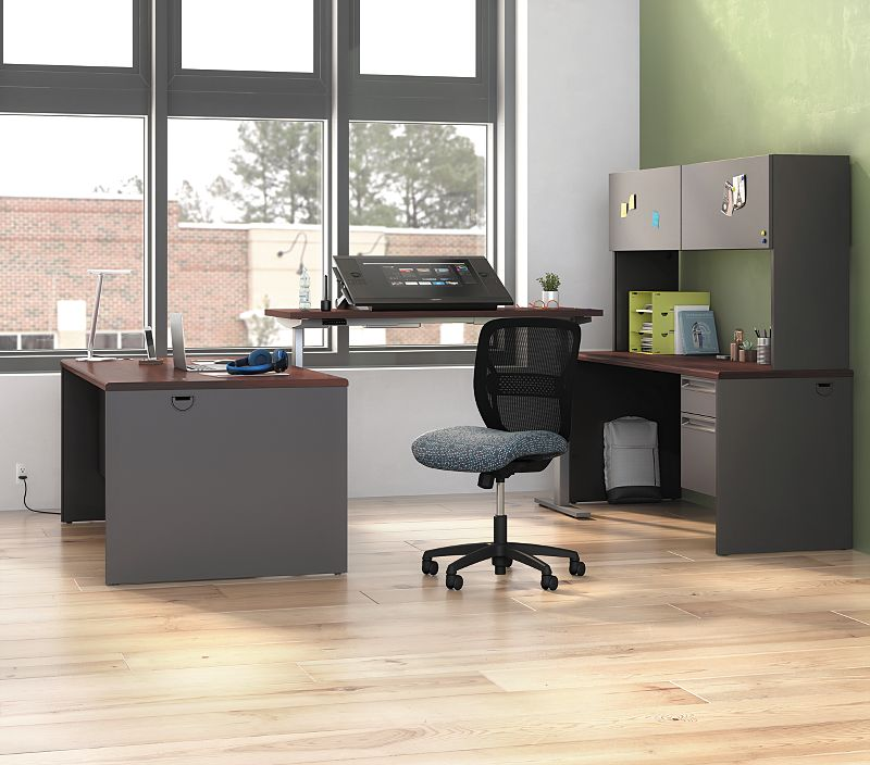 Gateway Chair with 38000 Series Desk