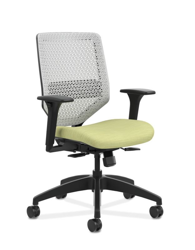 Ordinaire HON Solve Mid Back Task Chair With ReActiv Back Green Adjustable Arms Front  Side View