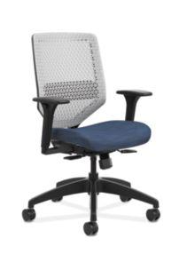 HON Solve Mid-Back Task Chair with ReActiv Back Dark Blue Adjustable Arms Front Side View HSLVMR.Y1.A.H.PT.COMP90.BL.SB