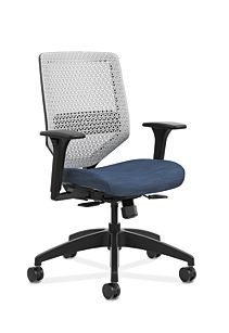 HON Solve Mid-Back Task Chair with ReActiv Back Dark Blue Adjustable Arms Front Side View HSLVMR.Y1.A.H.PT.COMP90.BL.SB