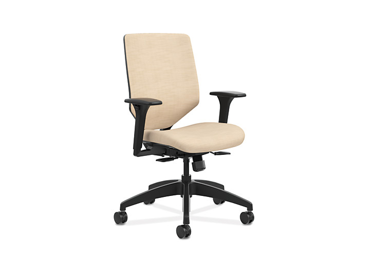 HON Solve Mid-Back Task Chair with Upholstered ReActiv Back Beige Adjustable Arms Front Side View HSLVMU.Y1.A.H.0S.COMP22.COMP22.BL.SB
