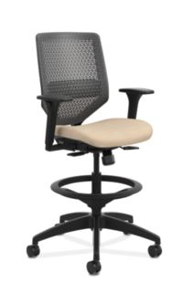 HON Solve Mid-Back Task Stool with ReActiv Back Beige Adjustable Arms Front Side View HSLVSR.Y1.A.H.0S.COMP22.BL.SB