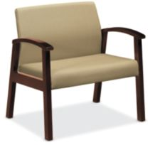 HOn Versant Bariatric Single Seat Tan Color Mahogany Finish Front Side View HHCB50.N.HR.83