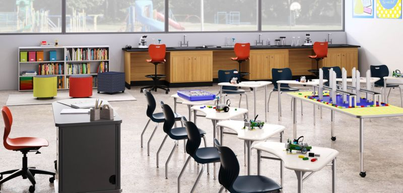 SmartLink Chairs and Desks in Stem Classroom