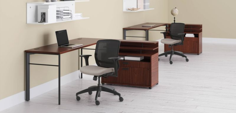 Manage Desk with Quotient Chairs