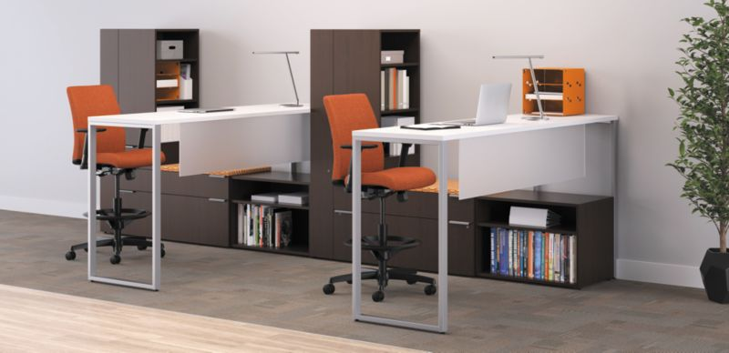 Task Lights on Voi Desks